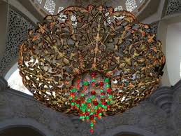 sheikh zayed mosque a huge chandelier