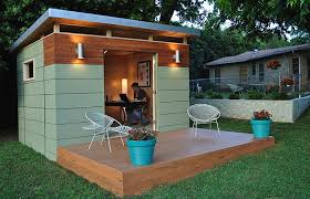 kanga room based out of austin texas kanga room has backyard studios in three styles modern country cottage and bungalow backyard office shed