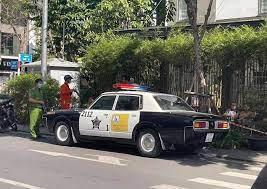 Xe cảnh sát Mỹ' bất ngờ xuất hiện với biển số TP.HCM có phạm luật không? |  Đời sống