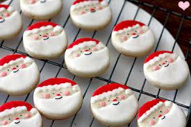 round christmas sugar cookies. Interesting Cookies Sugar Cookie Icing Recipe Red Food Coloring Black And Round Christmas Sugar Cookies A