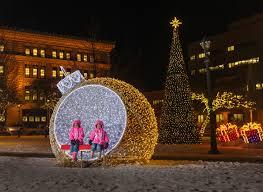 Cathedral Square Park Christmas Lights Milwaukee Holiday Lights Festival Milwaukee365 Com