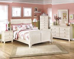 Small Cottage Bedroom Beautiful Cottage Bedroom Furniture 93 Within Home Interior Design