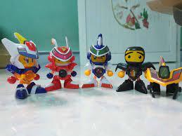Vỉ đồ chơi 4 robot bắn bi Bom Bom Man bằng nhựa