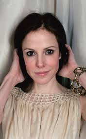 eyeshadow mary louise parker as amy gardner the west wing as nancy botwin