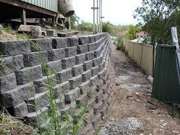 landscaping wall ideas cinder block retaining wall with concrete block landscape walls with breeze block retaining