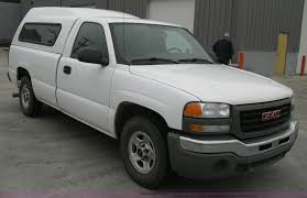 2004 GMC Sierra 1500 long bed pickup truck with topper   Ite...