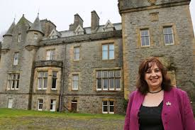 Yours For A Fiver Dumfries And Galloway Castle Worth 2 5 Million