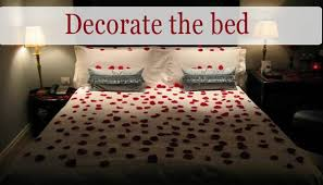 romantic bedroom ideas with rose petals. decorate the bed: valentine\u0027s day romantic diy arrangement with rose petals. bedroom ideas petals d