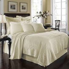 Best 25+ Ivory bedding ideas on Pinterest | Ivory bedroom ... & Historic Charleston King Charles Matelasse (Ivory) Bedding by Historic  Charleston Bedding, Comforters, Adamdwight.com