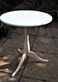 small shabby chic round table ideal for repainting