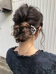 ミディアムの方でもできる変形くるりんぱを使った結婚式にオススメなヘア