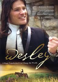 """La Vida de Juan Wesley Basada en eventos reales de la vida de John Wesley, la película """"Wesley"""" es la historia de un """"instructor irritante"""" en la Universidad de Oxford que en secreto lucha con su falta de verdadera paz interior y que finalmente la encuentra después de experimentar la fe salvadora."""