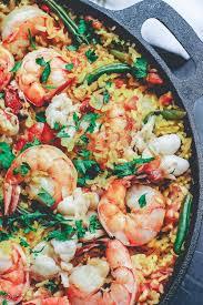 Easy Seafood Paella Recipe (Full ...