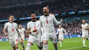 فرحة عارمة لجماهير منتخب انجلترا بعد الهدف الأول ضد ايطاليا .. فيديو – يوم  نيوز