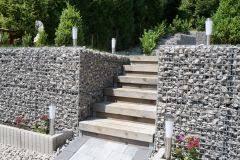 Gabionenmauer am hang ausbauen und erweitern | hangsicherung | hochbeet. Treppe Mit Gabionen Gabionen Garten Ideen Garten