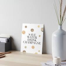 Speichern Sie Wasser Trinken Champagner Alkohol Zeichen Trinken