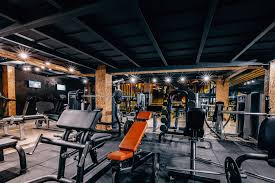 weight lifting gym with rubber mats
