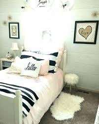 Black And White Bedroom Decor Black White And Gold Room Ideas Black ...