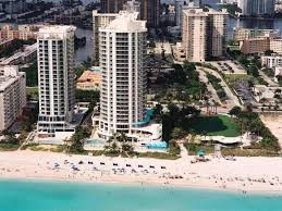 Miami 2 Bedroom Suites Best Price On Doubletree Ocean Point Resort Spa Miami Beach