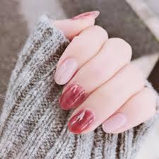 軽やかだけどどこか大人っぽい秋冬だからやりたい透け感ネイル厳選集