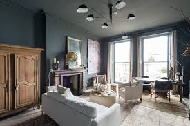 Shop The Look Klassiek En Tijdloos Appartement Met Donkere Muren