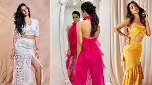 Kareena Kapoor Blouse Design In Gabbar Is Back How To Style Like Kiara Advani Spotboye