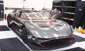 Hi guys :d need for speed: Aston Martin Vulcan Vs Bugatti Design Corral
