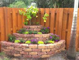 corner landscaping-back corner