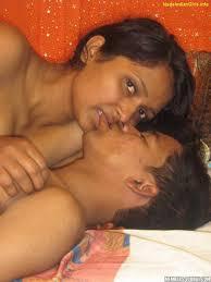 Xxx Aunty Kiss Amature milf porn pics