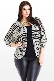 5 plus size outfits with leather pants