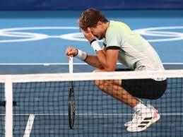 Alexander Zverev zieht durch Sieg über Novak Djokovic ins Olympia-Finale  ein