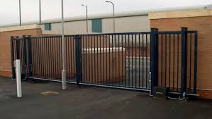 vinyl fence with metal gate. Fence Gates In Michigan - Vinyl, Wood, Chain Link, Steel, Aluminum, Iron, Wrought Iron Vinyl With Metal Gate