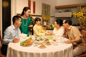 viet se identity viet se traditional family values these days the value of family s meals has been still highly appreciated as dinner is an opportunity for them to share a meal and talk together after a
