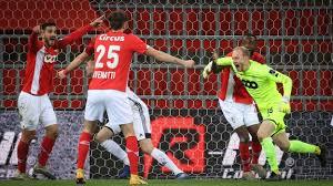 Standard – Eupen : Arnaud Bodart, buteur, offre un partage inespéré aux  Liégeois dans les arrêts de jeu (2-2)