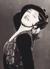 File:Pola Negri 1925 The Charmer.jpg - Wikimedia Commons