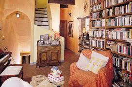 Arredamento Toscano Foto : In toscana libri e colore design arredamento