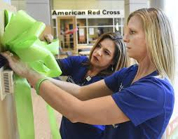 Tying ribbons for organ donation awareness | Local | The Journal Gazette