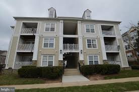 213 marsh hollow pl apt b rockville md 20850