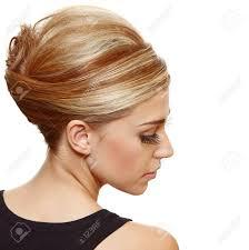 古典的なフランス ロール アップヘア スタイルの髪を着て長いつけまつげ
