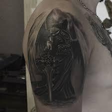 фото тату архангел в стиле реализм от мастера космодемьян рэй