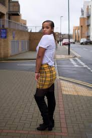 Sophie Richards Profile | YUMM - Your Model Management