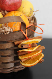Drying Out Oranges Christmas Decorations Cinnamon Stick Crafts The Smell Of Christmas In Your Home