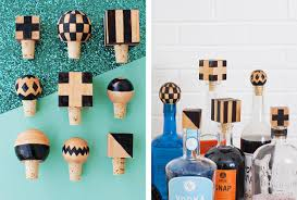 last minute gift ideas decorative bottle stoppers
