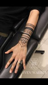 Mandala Style Tattoo On Lower Armwrist идеи для татуировок