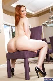 Big Ass Redhead Fatty Siri Undressing Her Big Butt And Tits