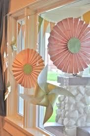Frühlingsdeko Für Fenster Und Tür Mit Gebastelten Blumen Aus Papier