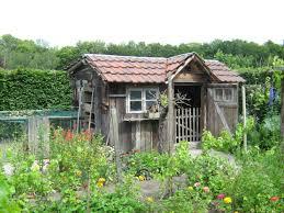 Fußböden für ihr gartenhaus aus holz! Gartenhaus Renovieren So Erneuern Sie Anstrich Und Dach