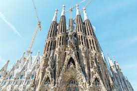 Gaudí once stated that it is made by the people and is mirrored in them. How To Choose A Sagrada Familia Tour 2021 Travel Recommendations Tours Trips Tickets Viator