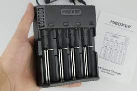 Sạc pin đa năng Miboxer - C4S (Màu đen - 4 cổng sạc)