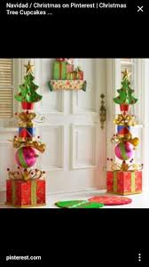 Outdoor ~ Lovely Christmas front door ~ from touch stone Christmas Finials
